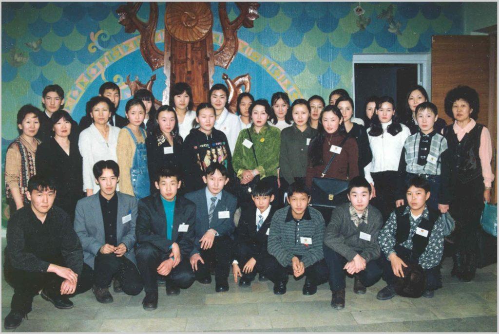 Команда Хангаласского улуса в республиканской НПК «Шаг в будущее», 1998 г.